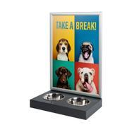 Kutya etetőállomás megállítótáblával