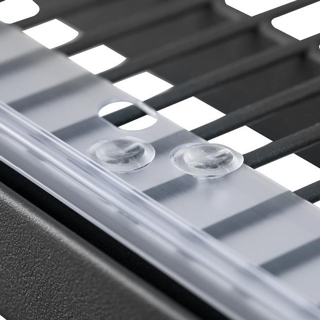Műanyag szegecsek reklámsínhez és osztósínekhez melyek furatokkal rendelkeznek