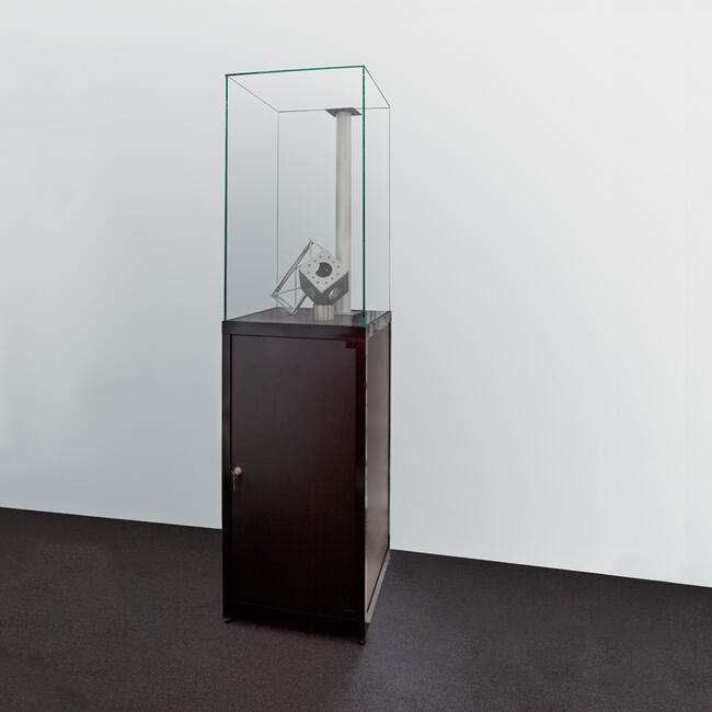 "Fedett vitrin ""Museum I"", magas"