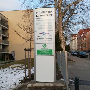 """Kültéri információs oszlop """"Frankfurt"""""""