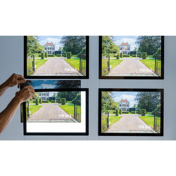 """Display IT"" LED kirakati kijelző"